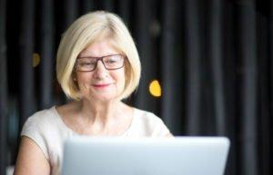 Empreendedorismo na aposentadoria secretária remota